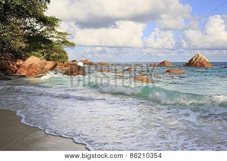 Beautiful Indian Ocean on the beach of Anse Lazio.