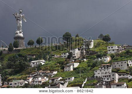Statue in Quito