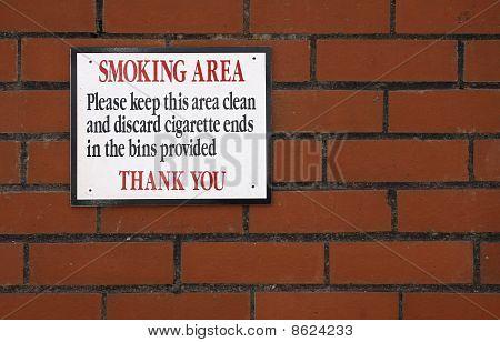 Sinal de área específica para fumar