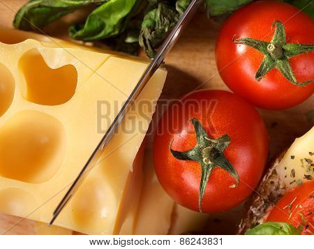 Tomatos And Cheese