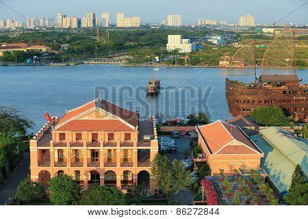 Dragon House Wharf ( Ben Nha Rong ) Or Ho Chi Minh Mus