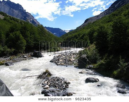 The rushing paine river