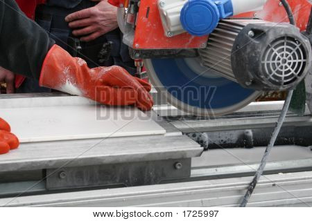 Working-Saw