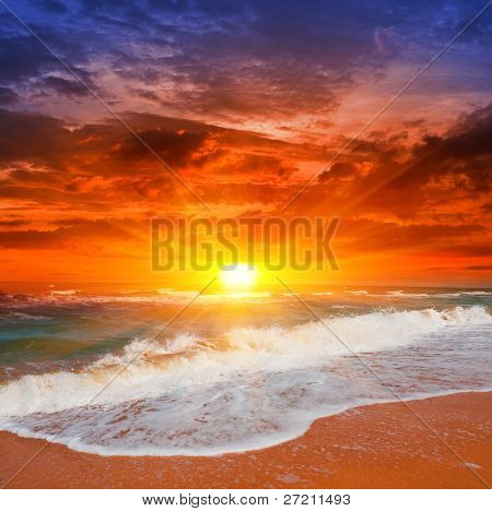 Evening scene with sunset on sea
