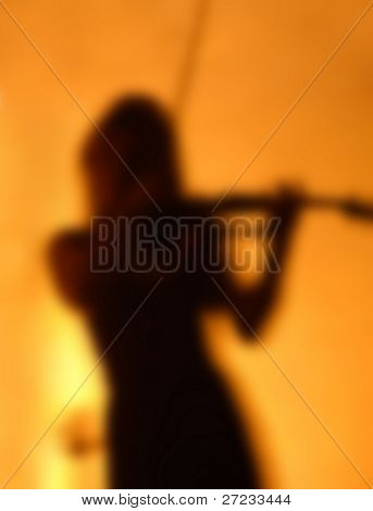 Silueta de un violinista