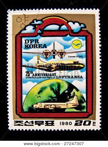 Corea - CIRCA 1980: Un sello impreso en Corea muestra avión Convair CV 340, circa 1980.