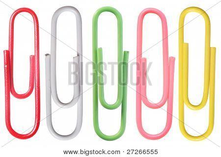 clips de papel bajo el fondo blanco