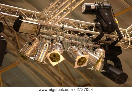 Suspended Lighting Equipment