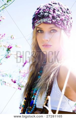 beautiful blond Girl im freien
