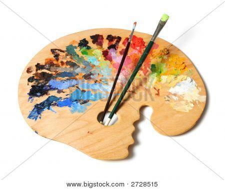 Na artista paleta e pincéis