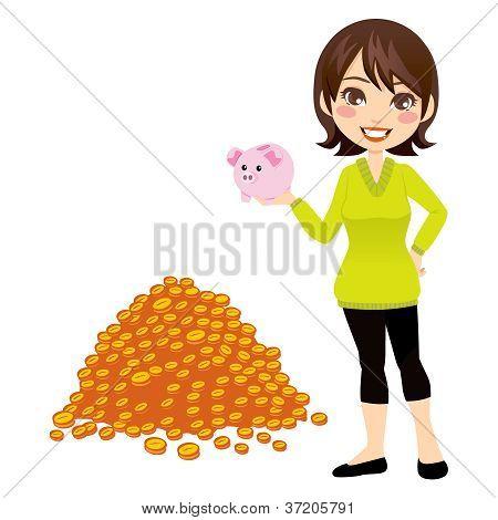 Mujer sosteniendo Piggybank