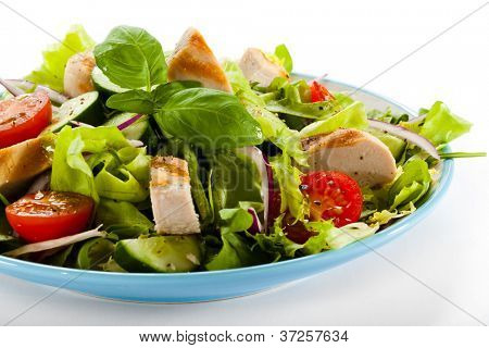 Cesar salad with roasted chicken meat