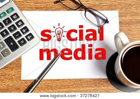 Note Social Media