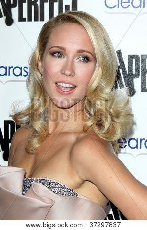 LOS ANGELES - SEP 24:  Anna Camp arrives at the