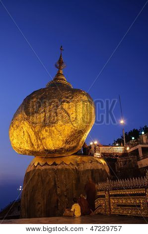 Night Of Golden Rock (kyaiktiyo), Burma