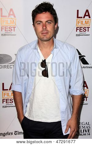 LOS ANGELES - JUN 15:  Casey Affleck arrives at the