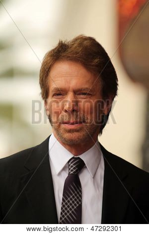 LOS ANGELES - 24 de JUN: Jerry Bruckheimer do Jerry Bruckheimer Star sobre a caminhada de Hollywood da Fam
