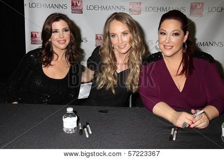 Wendy Wilson, Chynna Phillips, Carnie Wilson at the