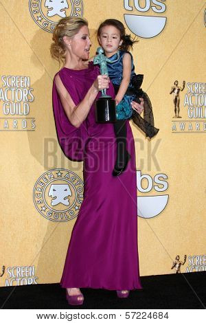 Julie Bowen, Aubrey Anderson-Emmons at the 18th Annual Screen Actors Guild Awards Pressroom, Shrine Auditorium, Los Angeles, CA 01-29-12