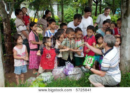 Refugiados hmong no Idc Nong Khai, Tailândia