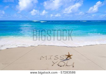 """Sign""""miss You"""" With Starfish On The Beach"""