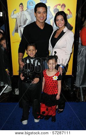 Mario Lopez, girlfriend Courtney Mazza, Niece and Nephew at the