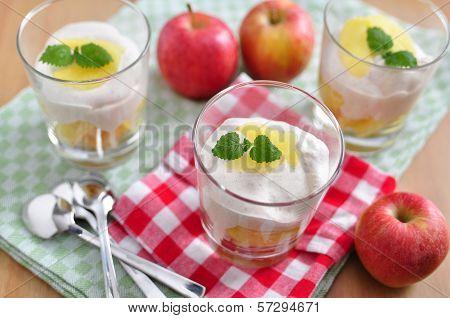 Apple Tiramisu Dessert