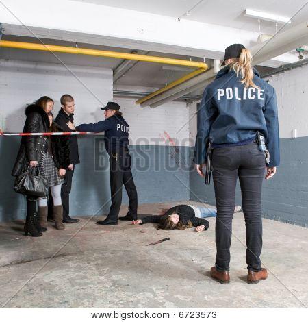 Descubrimiento de escena de asesinato