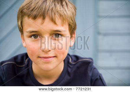 menino sorridente