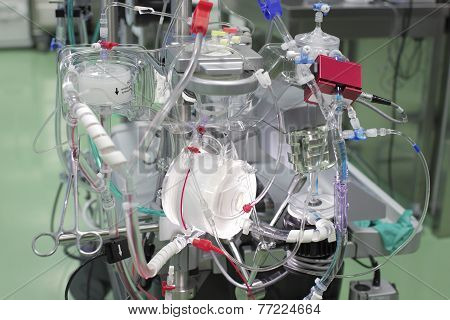 Latest Type Of Artificial Blood Circulation Apparatus.
