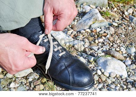 Tying The Shoes