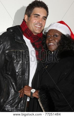LOS ANGELES - NOV 30:  Galen Gering, Aloma Wright at the 2014 Hollywood Christmas Parade at the Hollywood Boulevard on November 30, 2014 in Los Angeles, CA