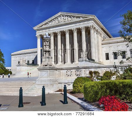 Us Supreme Court Capitol Hill Daytime Washington Dc