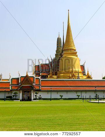 Temple Of The Emerald Buddha (wat Pra Kaew) In Bangkok ,thailand.