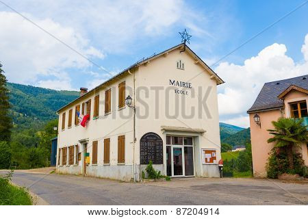 De Local Shool And Town Hall In Espies In France