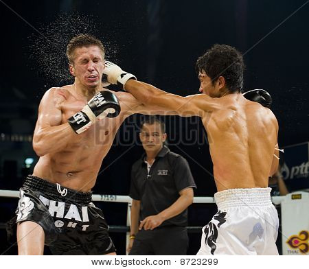Russian Vs Korean Thai Boxer In Bangkok