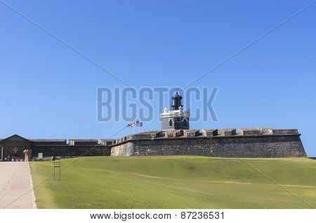 Light House On Top Of San Felipe Del Morro Castillo.