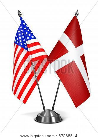 USA and Sovereign Military Order Malta - Miniature Flags.