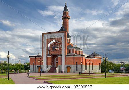 Memorial mosque on Poklonnaya Hill