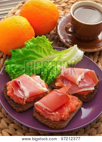 Toasts With Prosciutto
