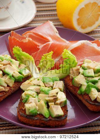 Avocado Toasts With Prosciutto