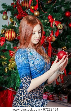 Girl with cristmas ornament