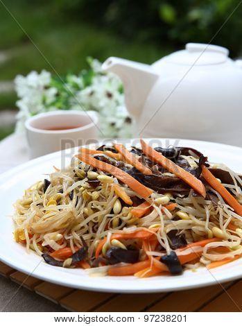 China dish,Sauteed bean sprouts