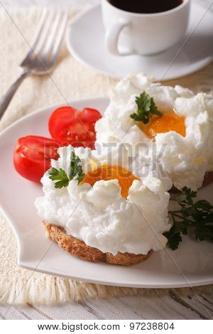 Breakfast Aristocratic: Sandwiches With Baked Eggs Orsini