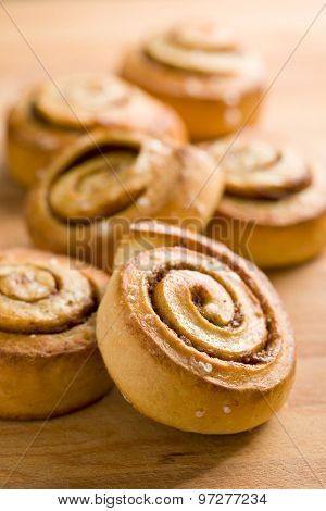 cinnamon buns on kitchen table