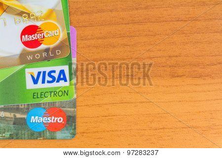 Credit Cards Visa, Maestro, Mastercard.