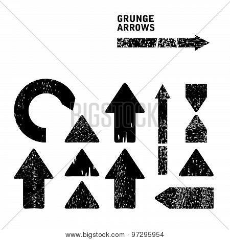 Grunge arrows set