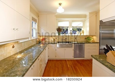 Luxury White Large Antuqie Old Kitchen