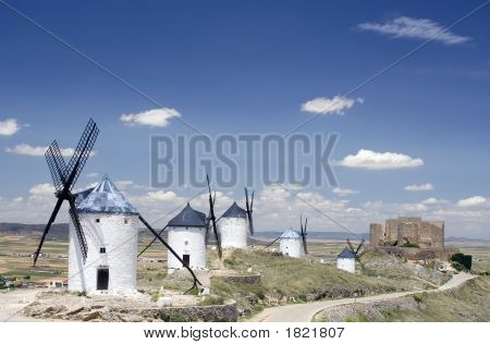 Windmills And Castle, Consuegra