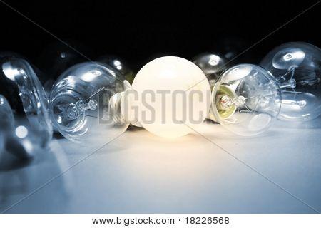 Lâmpada de luz brilhante